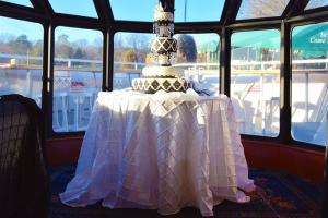 Wedding Cake | Lady of the Lake | Lake Norman